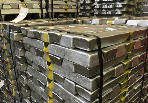 中分類23非鉄金属製造業のアルミニウムインゴッド