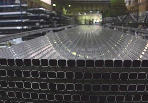 中分類23非鉄金属製造業のアルミニウム生産