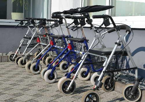 福祉用具の一つ歩行器具