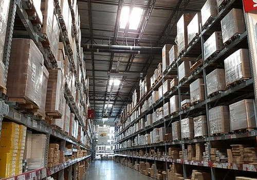 大型倉庫作業