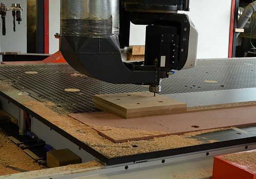 木材板の切削加工