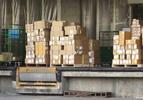 物流倉庫で出荷