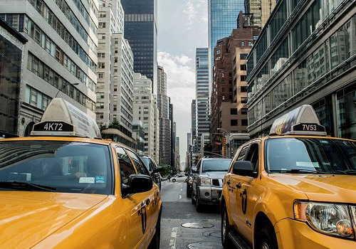 道路旅客タクシーイメージ