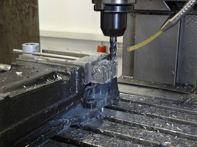 機械加工技能検定 フライス盤作業イメージ2