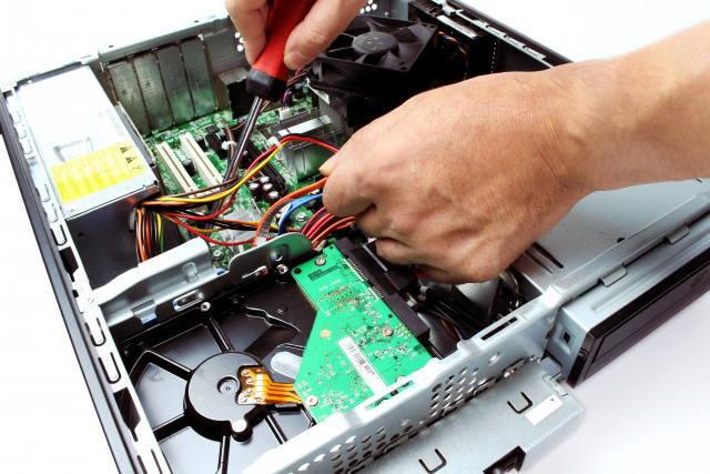 電子機器組み立て作業イメージ